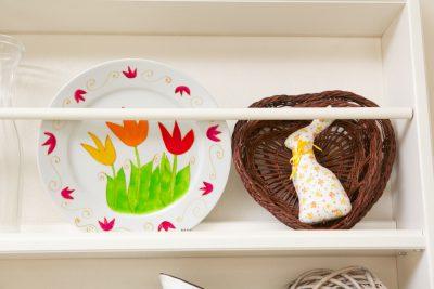Interiér na jar - košíček so zajkom