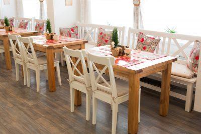 Interiér v zime - jedálenské stoly