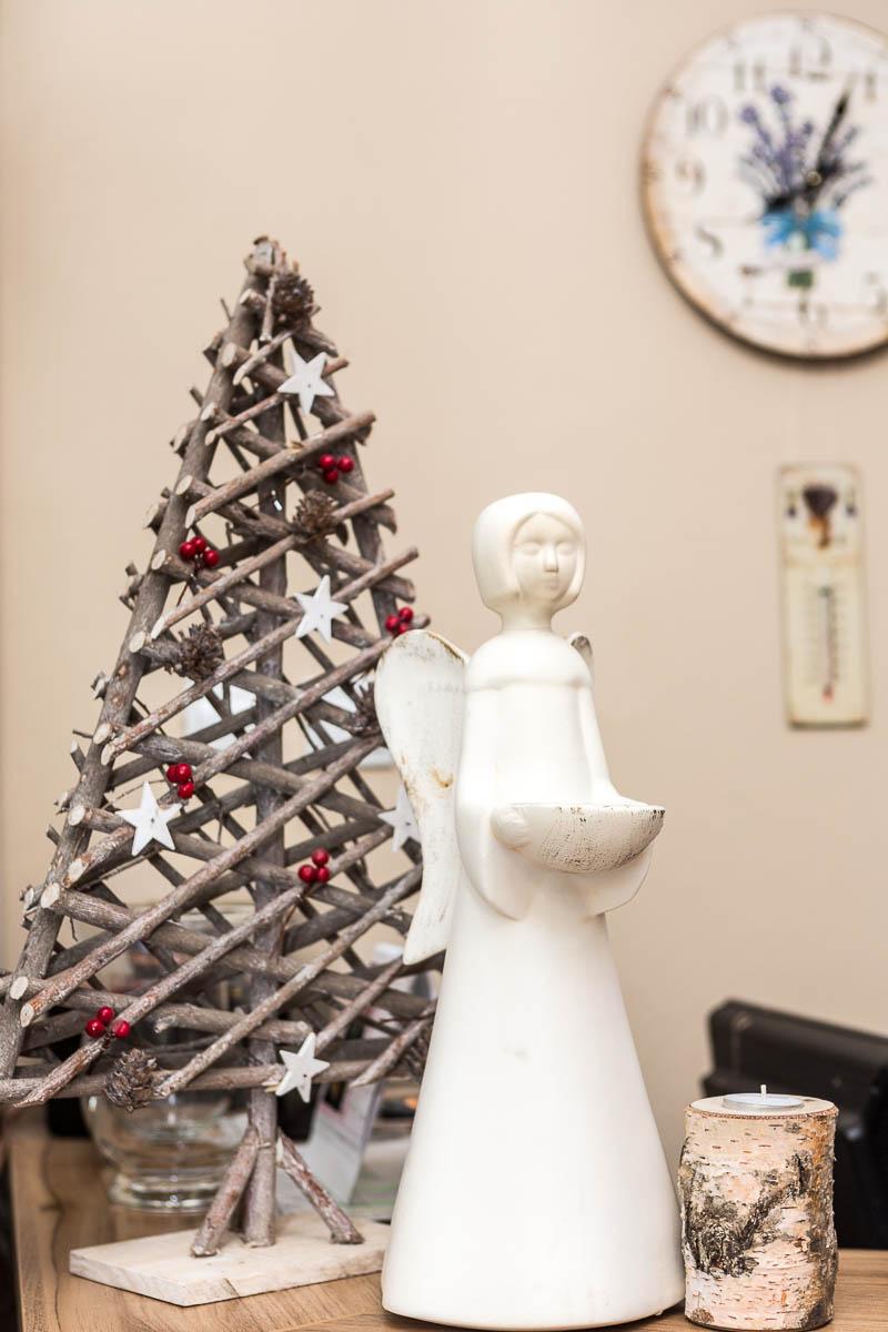 Dekoračný stromček s anjelom